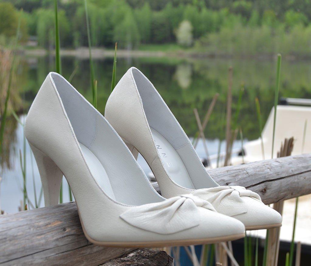 Sfaturi Utile Pentru Alegerea Celor Mai Potriviti Pantofi De Mireasa