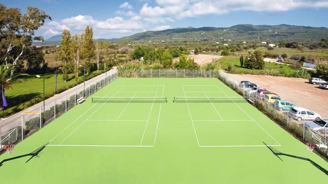 Aquis Sandz Beach Resort - Terenul de tenis - Vacanta prin Happy Tour